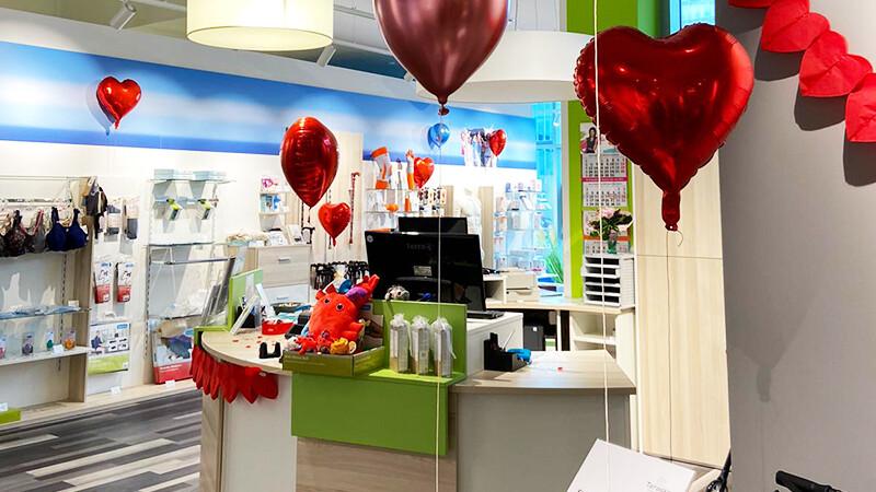 Sanitätshaus Teraske dekoriert mit Luftballons